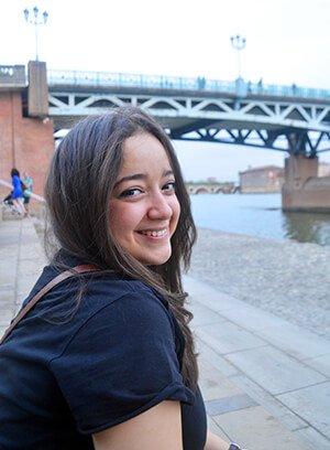 Tbs Summer School Portrait Zaina Boumazguida